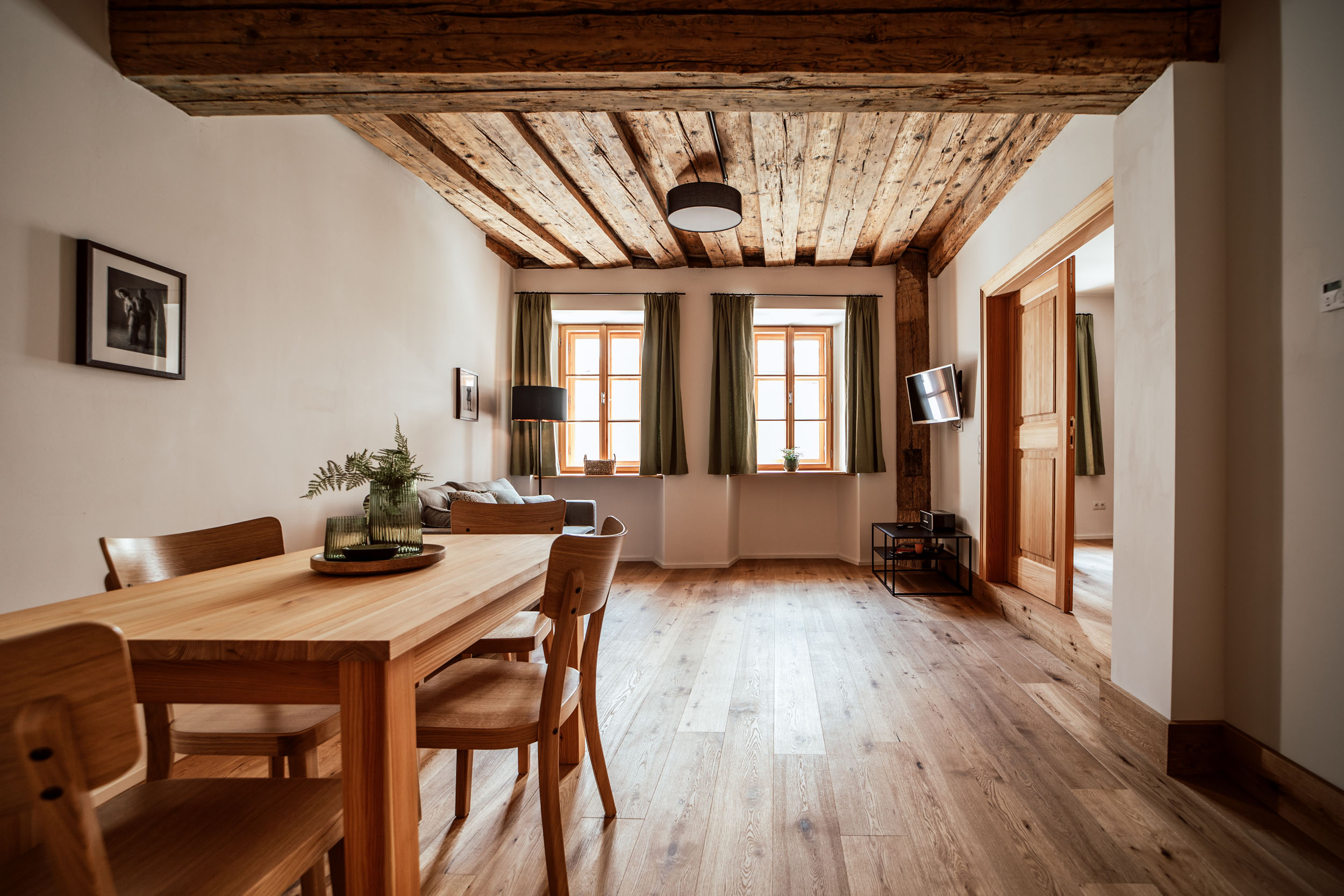 106 Wohn Holzdecke 2
