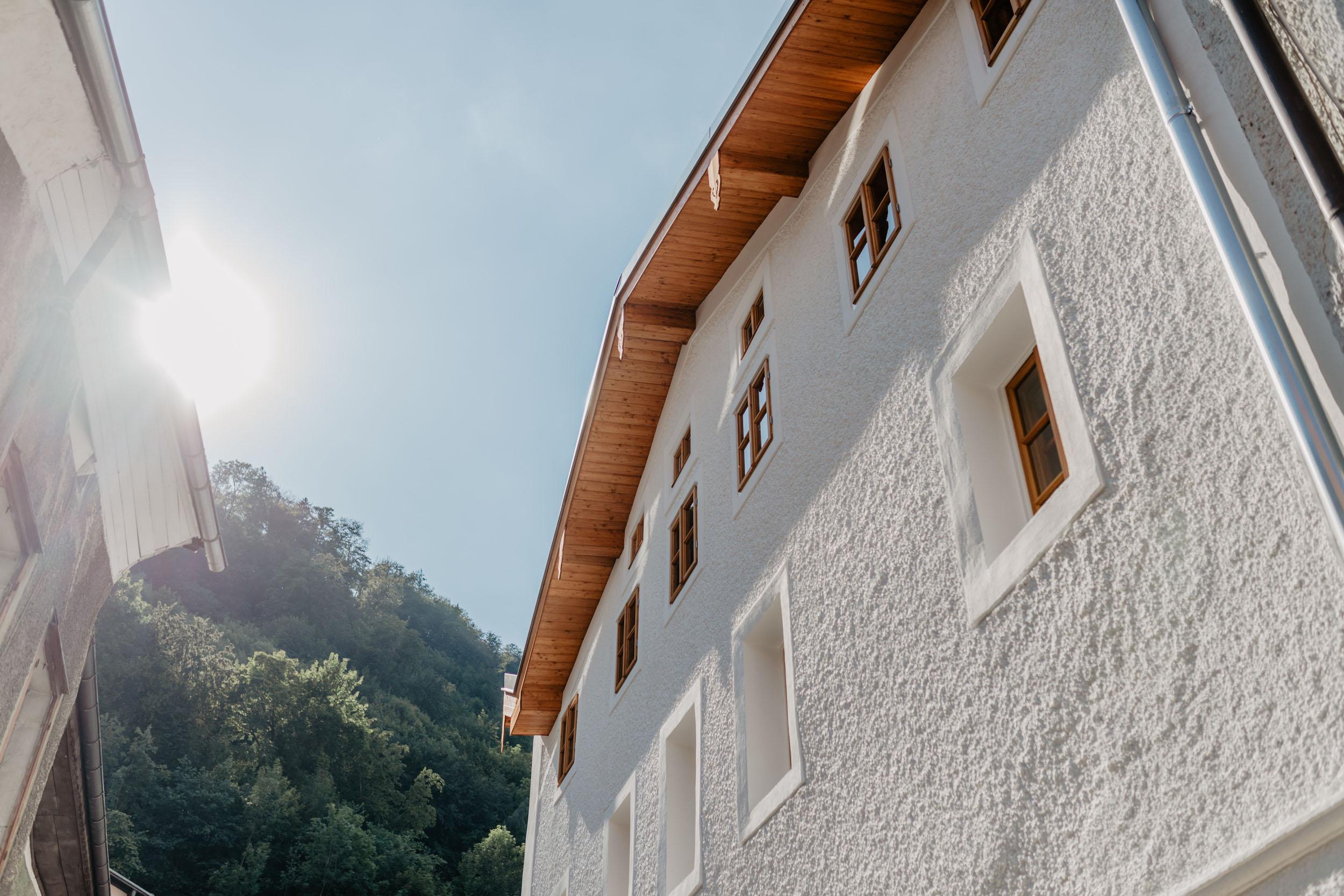 Außen Fassade mit Sonne